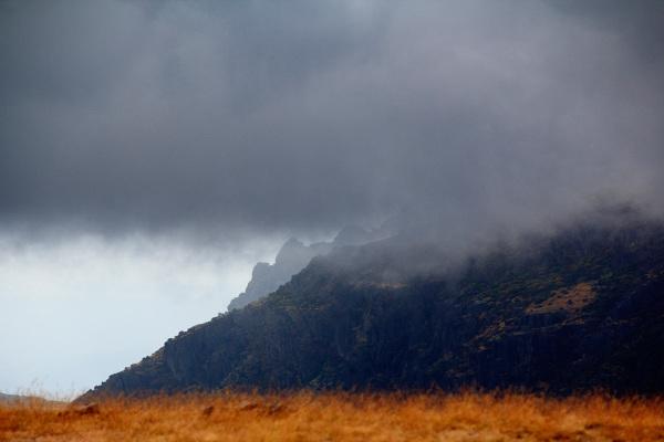 serraestrela vale-da-loriga montanha nevoeiro