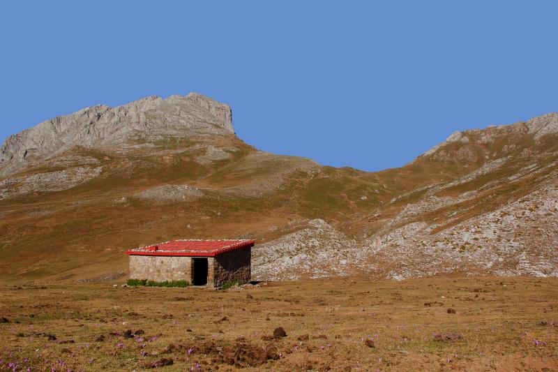 picos-da-europa fuente-dé espanha montanha casa