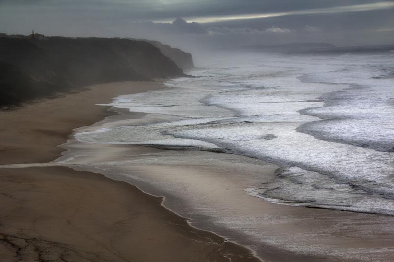E apenas ouves o mar