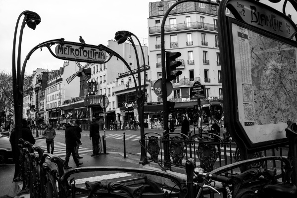france paris montmartre moulin-rouge candeeiro
