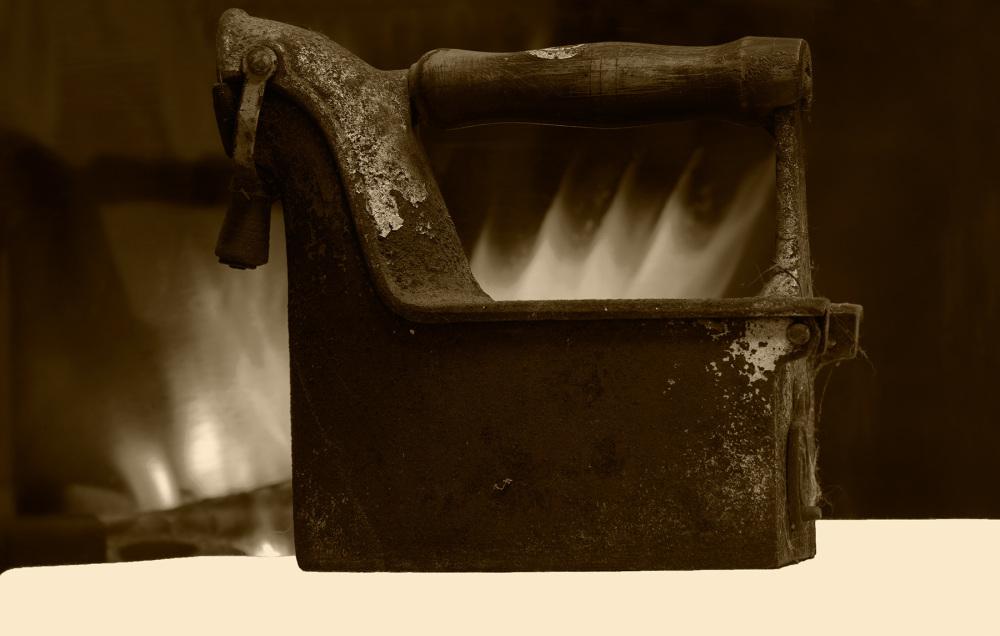 ferro-de-engomar antiguidades