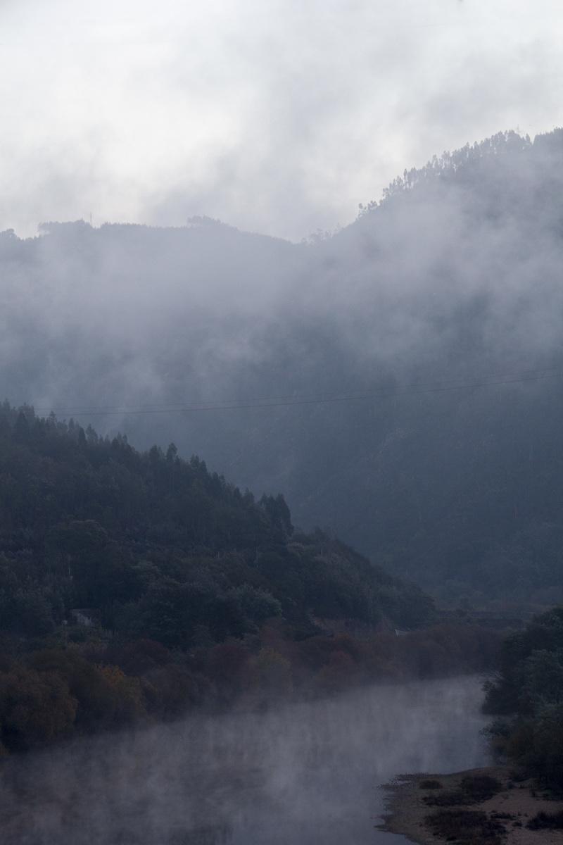 coimbra rio mondego nevoeiro
