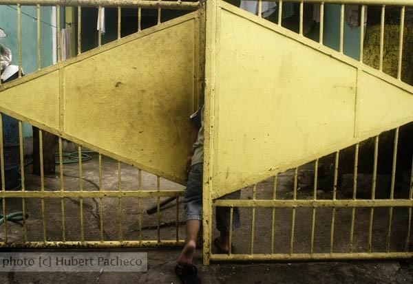 GK kid gate stuck