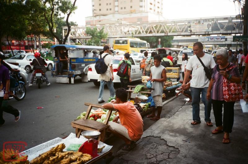 buendia, gil puyat ave, street vendors, Pasay City