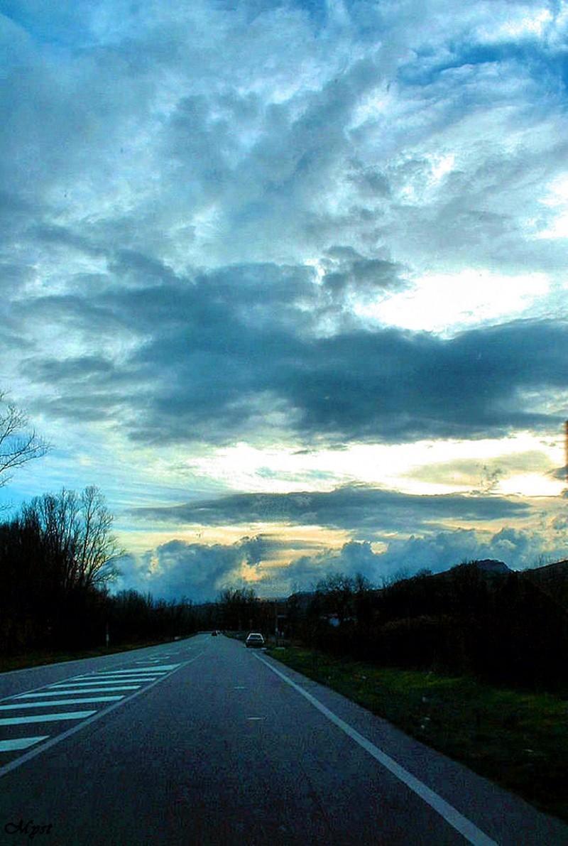in viaggio sulla strada
