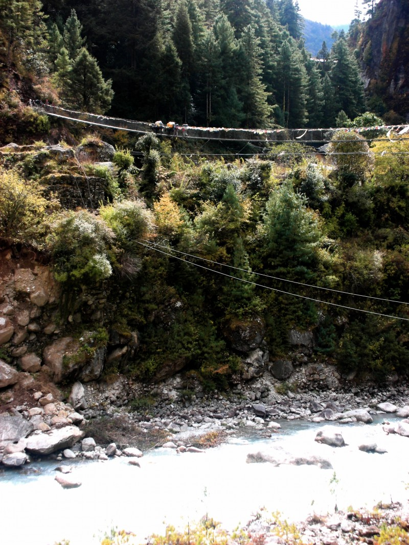 Bridge over Dudh Khosi