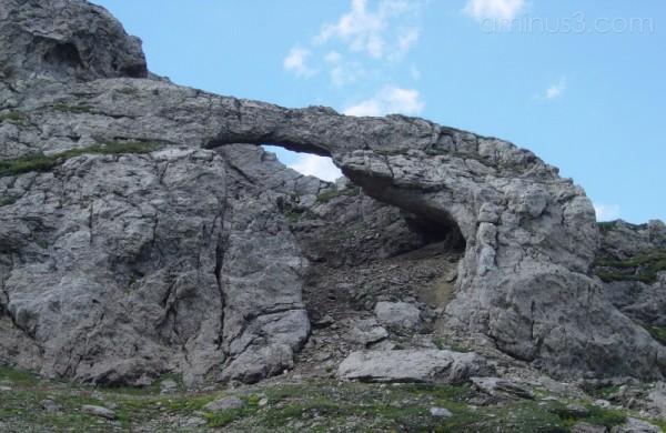 Arco naturale di roccia