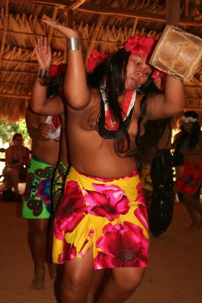 Emberas's dance