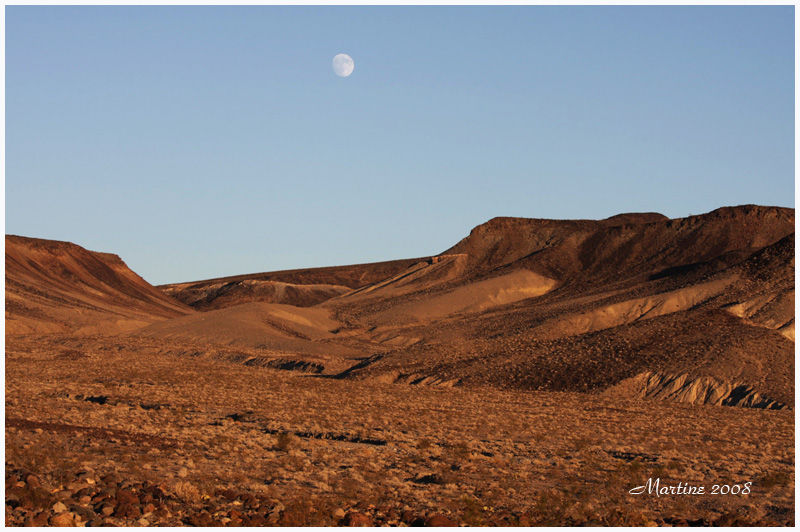 Moonrise in Death Valley 2
