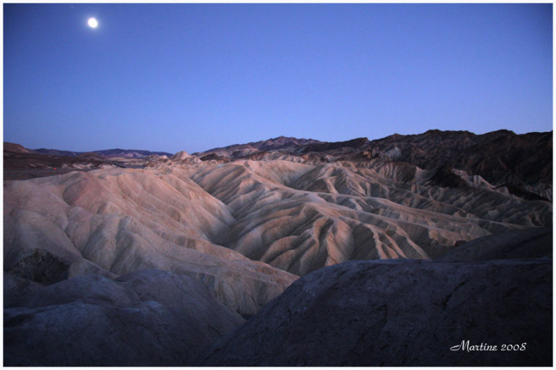 Moonrise in Death Valley 3