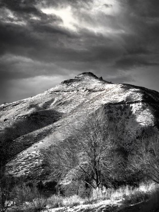 Mount M