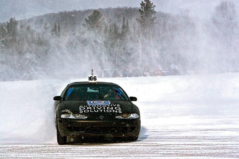 Iceracer Sideways in Snow
