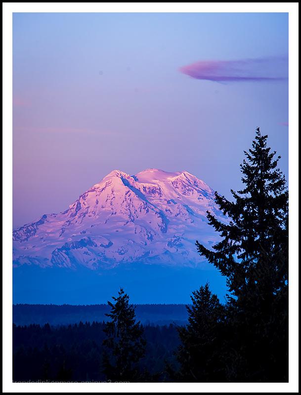Rainier&Cloud