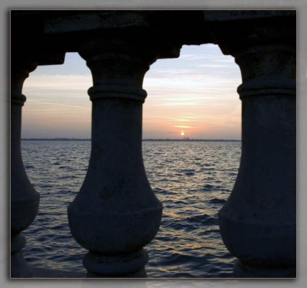 Balustrade sunrise