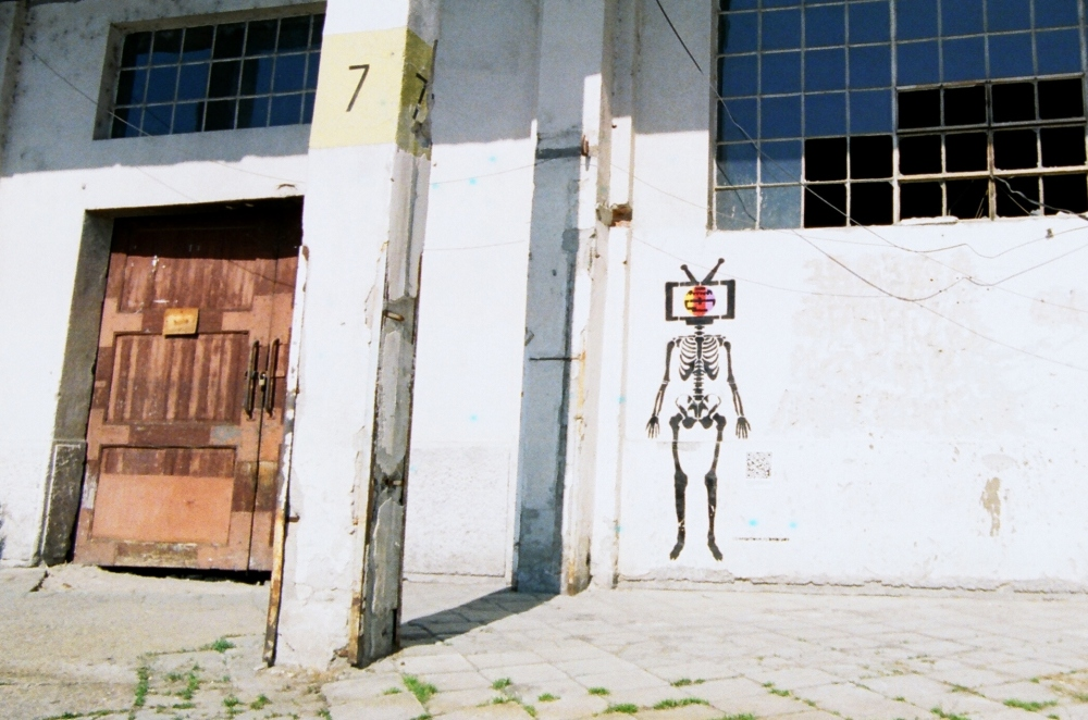 Skeleton TV graffiti