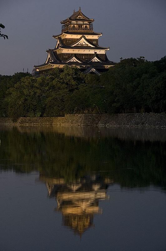Hiroshima castle at dusk.