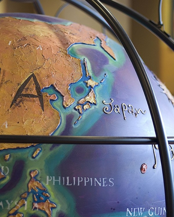 A globe at Caffe Veloce.