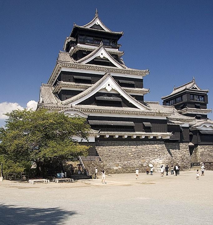 The main tower of Kumamoto Castle.