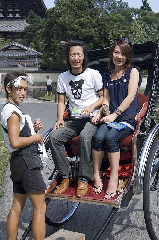 Tourists at Todai ji
