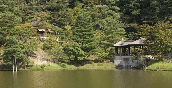 The Kyusui-tei tea pavillion.