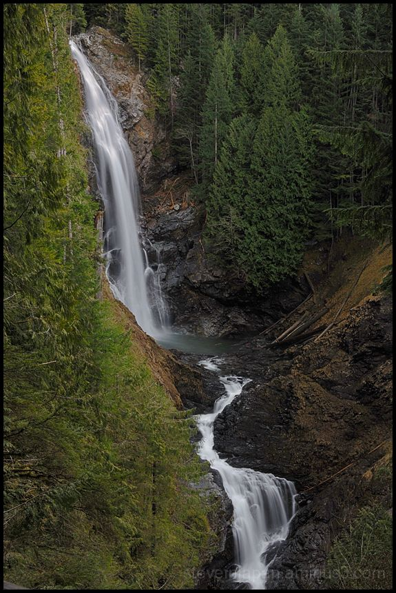 A view of Middle Wallace Falls.