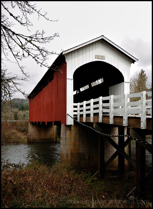 The Currin Covered Bridge in Oregon.