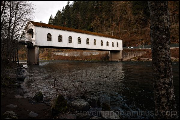 The Goodpasture Covered Bridge in Oregon, USA.