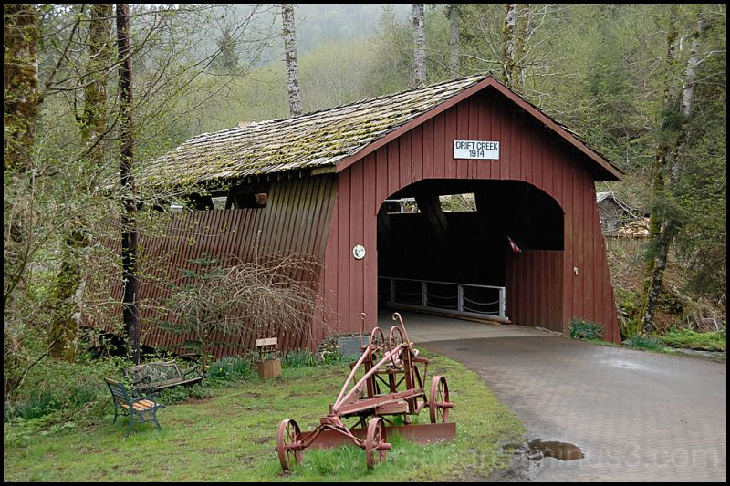 The Drift Creek Covered Bridge in Oregon, USA.