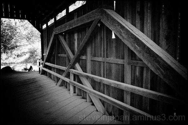 The Lost Creek Covered Bridge in Oregon, USA.