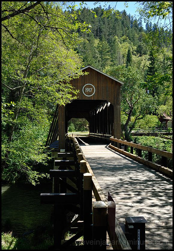 The McKee Covered Bridge in Oregon, USA.