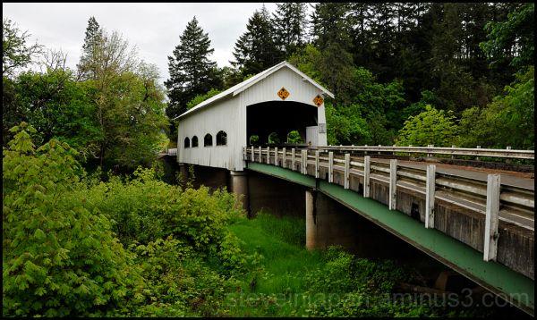 Rochester covered bridge in Oregon, USA.