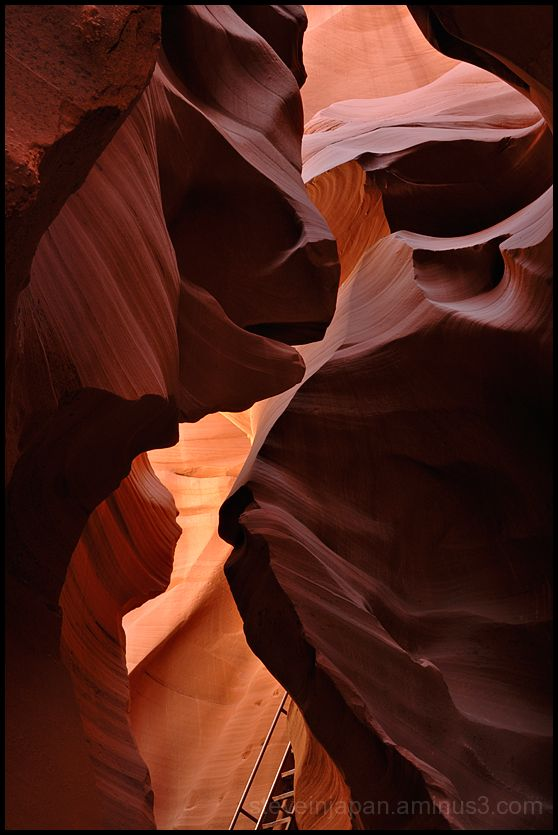 Glowing rocks in Lower Antelope Canyon.