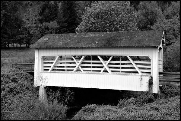 The Sandy Creek covered bridge in Oregon, USA.