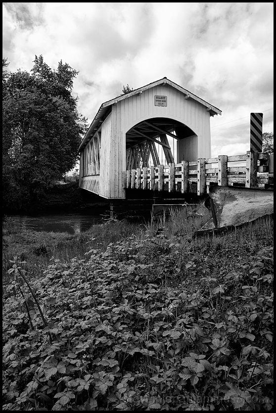 The Gilkey Covered Bridge in Oregon, USA.