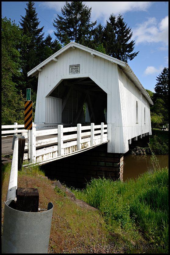 The Hoffman Covered Bridge in Oregon, USA.