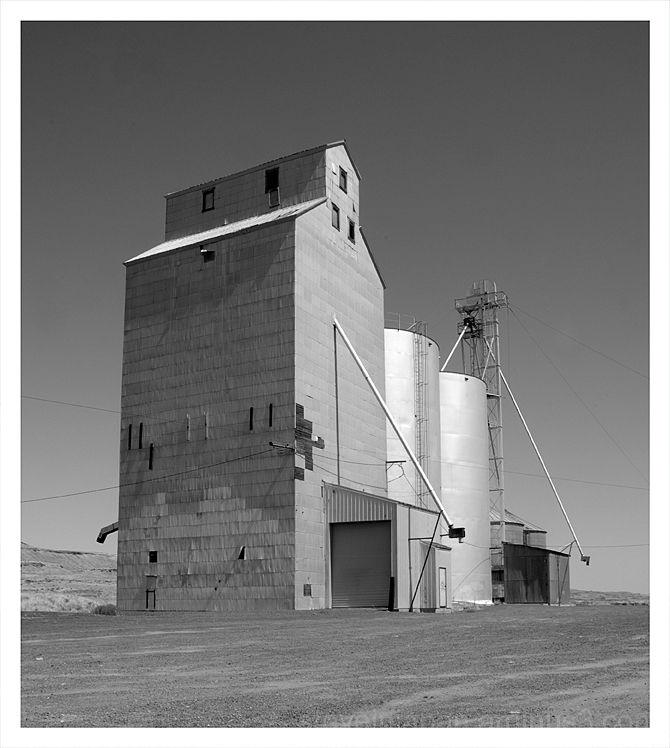 An older grain elevator in the Palouse.