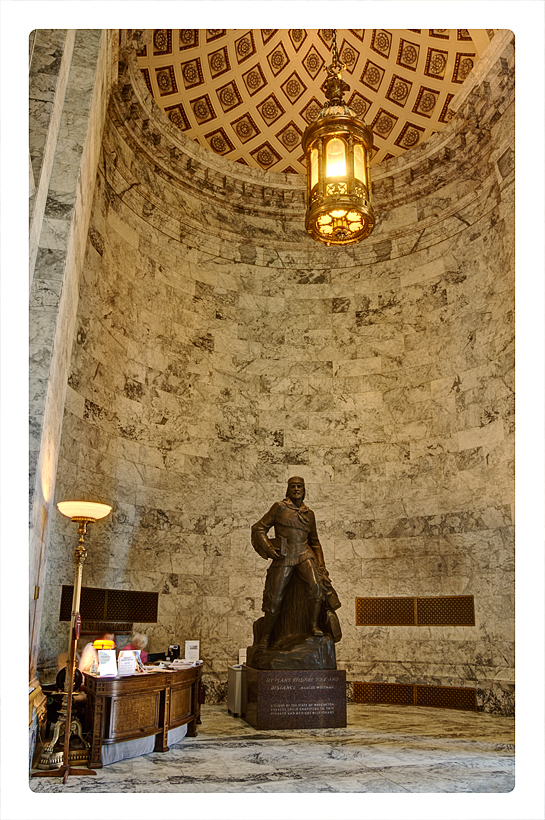 The foyer of the Washington State Capitol.