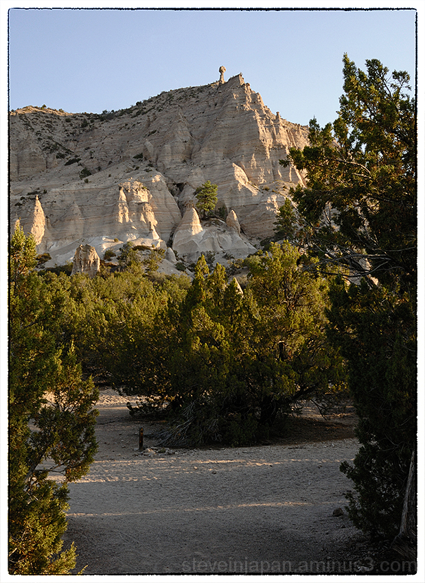 The scene upon arrival at Tent Rocks NM.