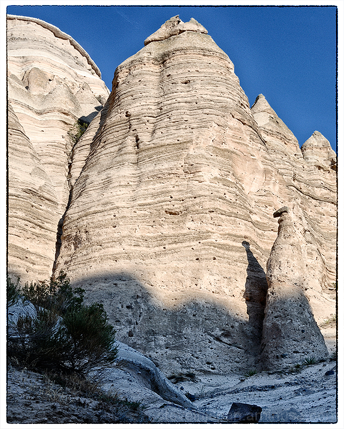 Large tent rocks at Tent Rocks NM.
