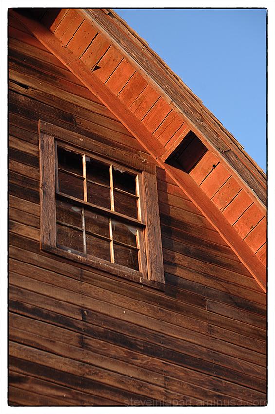 An old barn in Sunnyside, WA.