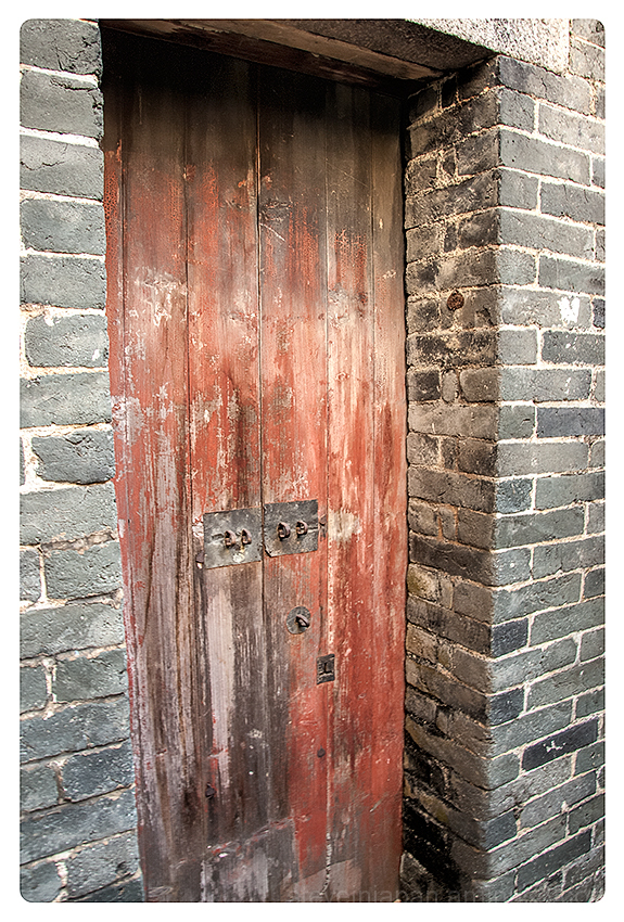 Old doors at Kat Hing Wai village.