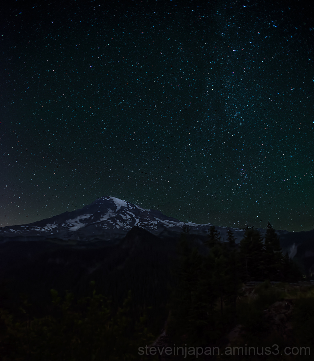 A starry night at Mount Rainier.