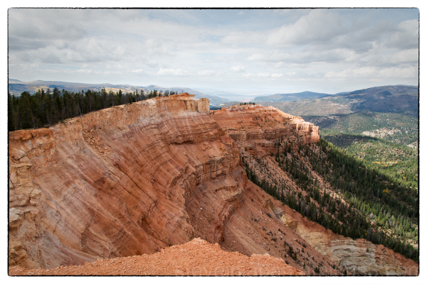 Spectra Point/Ramparts trail at Cedar Breaks NM.