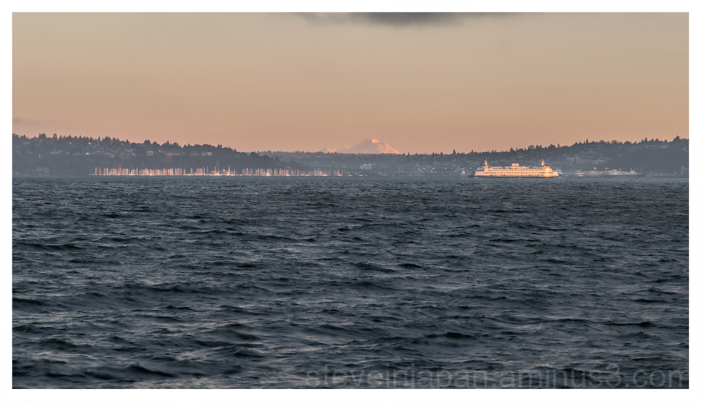 Dawn over the Elliott Bay.