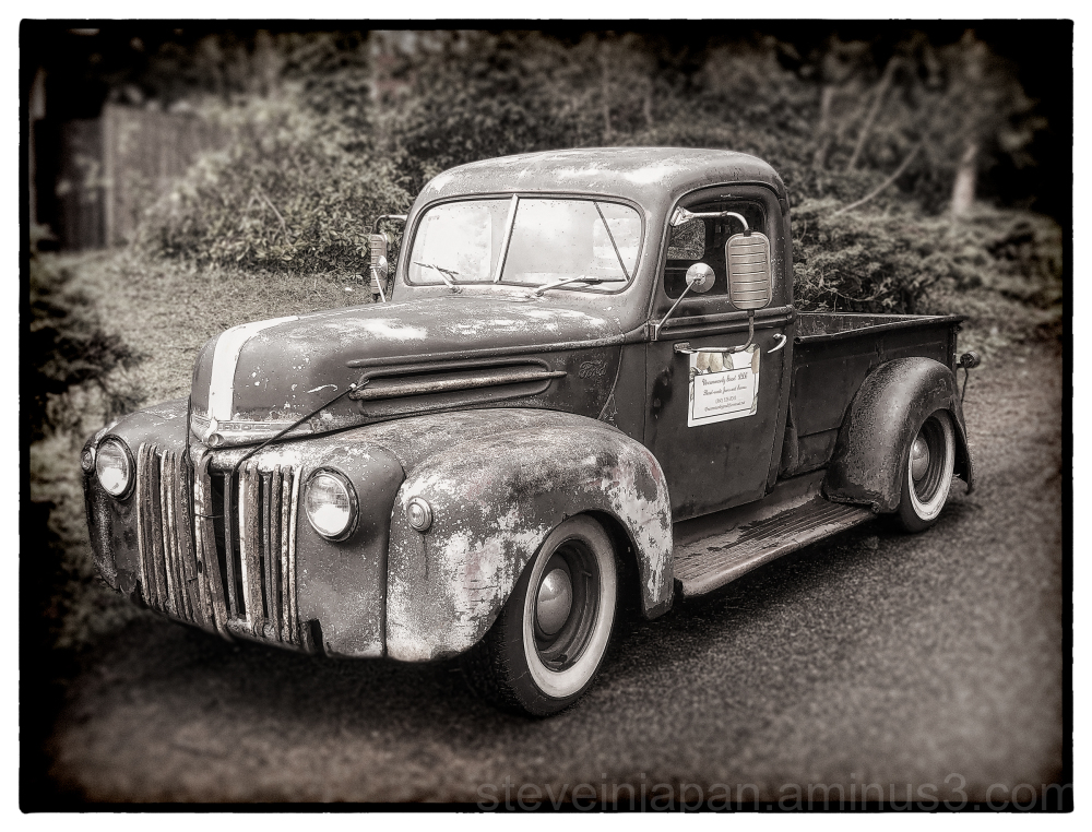 An old Ford pickup seen on a walk.