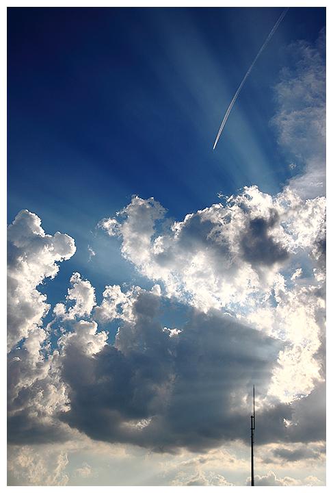 sunny days, crepuscular rays & holidays(?)...