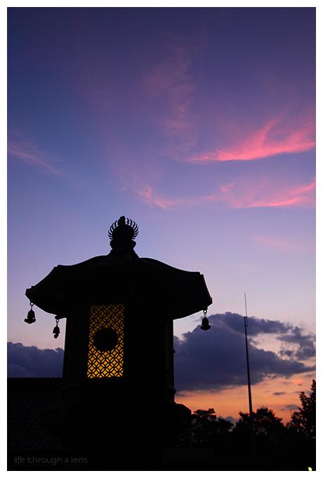 twilight lamplight