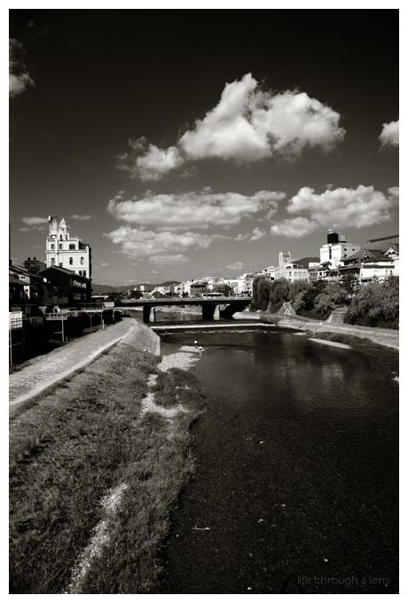 kamo river and shijo bridge
