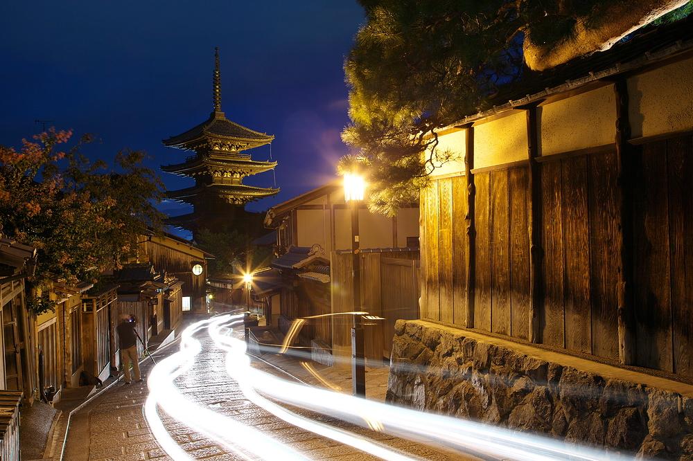 driving past Houkanji
