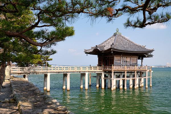 Ukimido   the floating hall